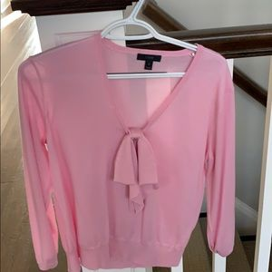 J crew pink v neck sweater with bow embellishment